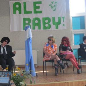 """""""Ale Baby"""" na scenie"""