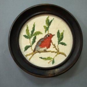 Obraz szydełkowy okrągły z ptaszkiem