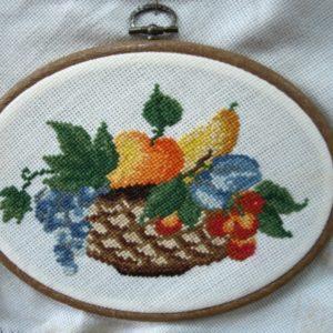 Obraz szydełkowy z owocami