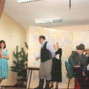 Stare zdjęcia dwanych spektakli grupy z Zimnej Wody